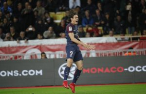 Manchester United sign former PSG striker Cavani
