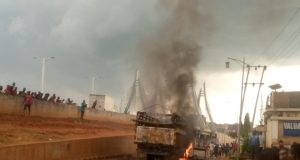 Black Friday in Awka as lorry kills 8 hawkers, Irate youths burn lorry-load of cows